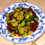 Simple plant-based dinner solution: Quinoa, zucchini & cannellini beans